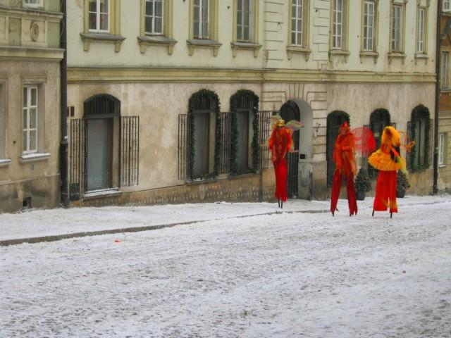 Sztuczny śnieg leżący (celuloza) na planie reklamy Parada Orange (zima 2011).