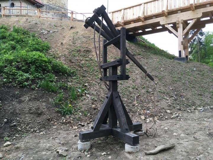 Medieval siege machine - perriere...
